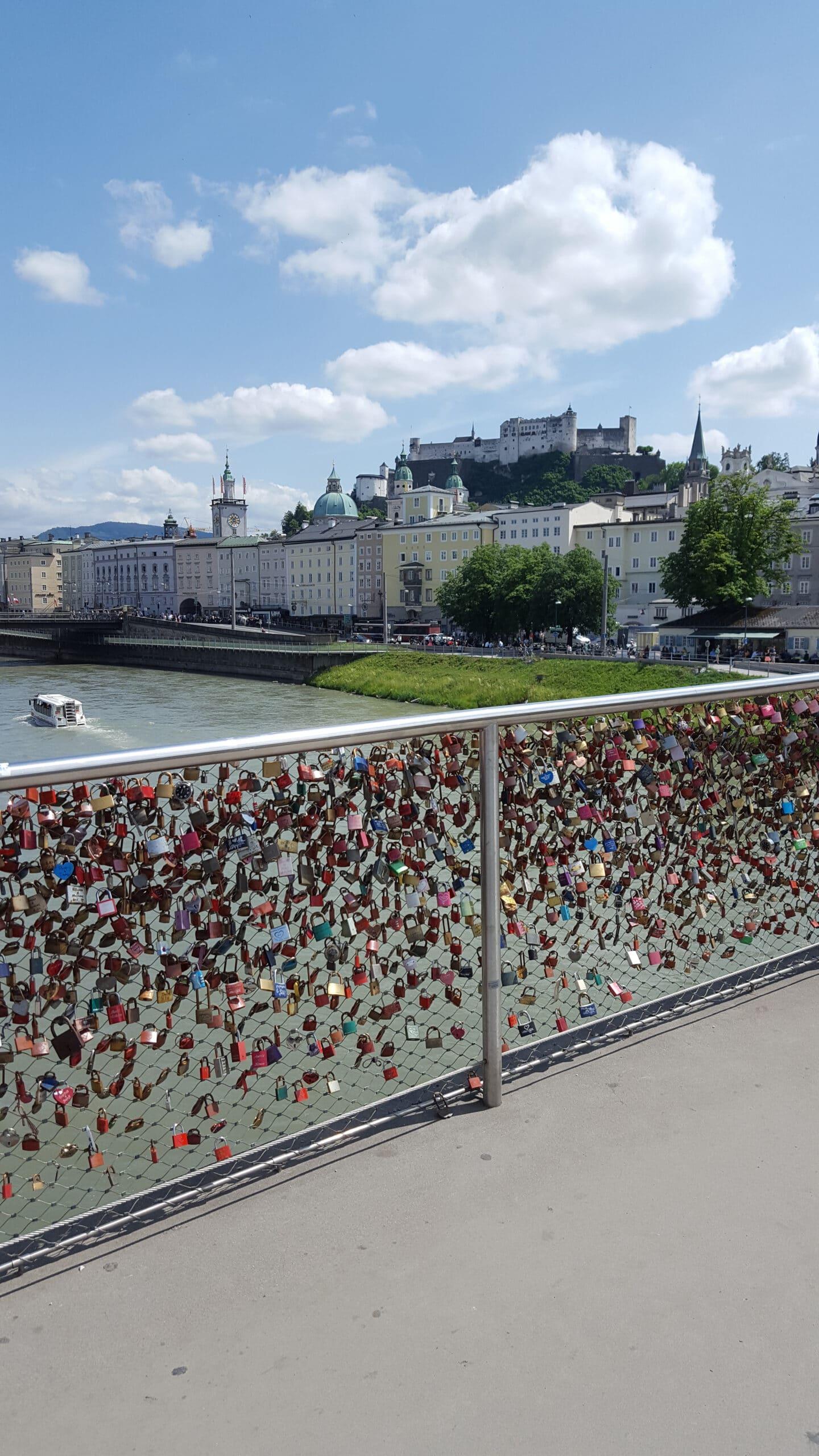 5 Tipps für einen Städtetrip in der Mozartstadt: Liebesbrücke